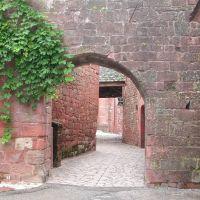 ziduri rosii