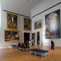 O vizita la Muzeul Luvru
