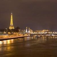 Parisul noaptea