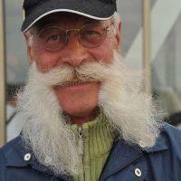 Mustata si barba