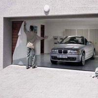 Usa garajului