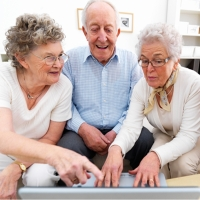 Bunineti aveti grija pe Internet