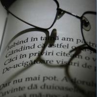 Iubind în taină...- Mihai EMINESCU