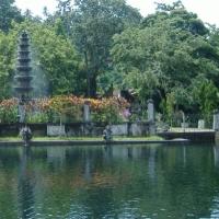 Gradina palatului Tirtagangga, Bali