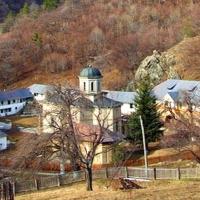 Mănăstirea Stânişoara. Jud. Vâlcea.