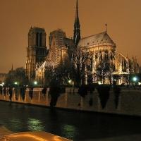 Lumi-re_dans_la_nuit