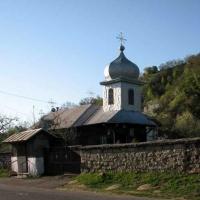 Biserica Sf Gheorghe - Tisesti
