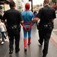 Poliţia Şi Infractorii Periculoşi.