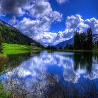 Natura in oglinda