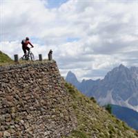 Cu bicicleta in Dolomiti