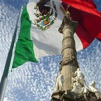 Călător prin Mexic. Traveler in Mexico