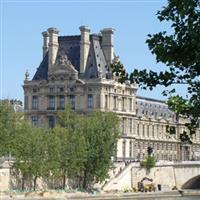 Paris Palatul Luvru2