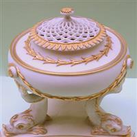 Ceramica modernă de-a lungul anilor 1