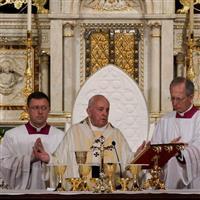 Papa Francisc pelerin in Romania, prima zi