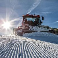 Sellaronda.Prepararea unei partii de ski.