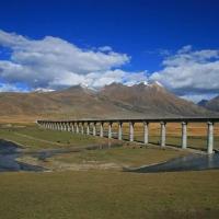Cu trenul pe acoperisul lumii, in Tibet!