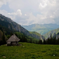 HOINARIND PRIN ROMANIA
