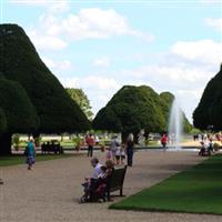 London Hampton Court Palace2