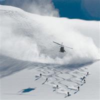 Cu Nikonul la skiat . Heliskiing