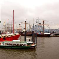 Cu Nikonul la drum.Ziua de nastere a portului Hamburg