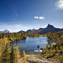 Din perlele Dolomitilor. Lago di Federa.