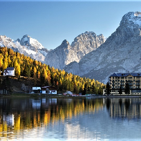 Zile de toamna in Dolomiti.Lago di Misurina.